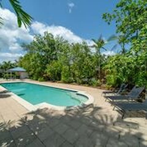 Relax in Residential Close to Beach