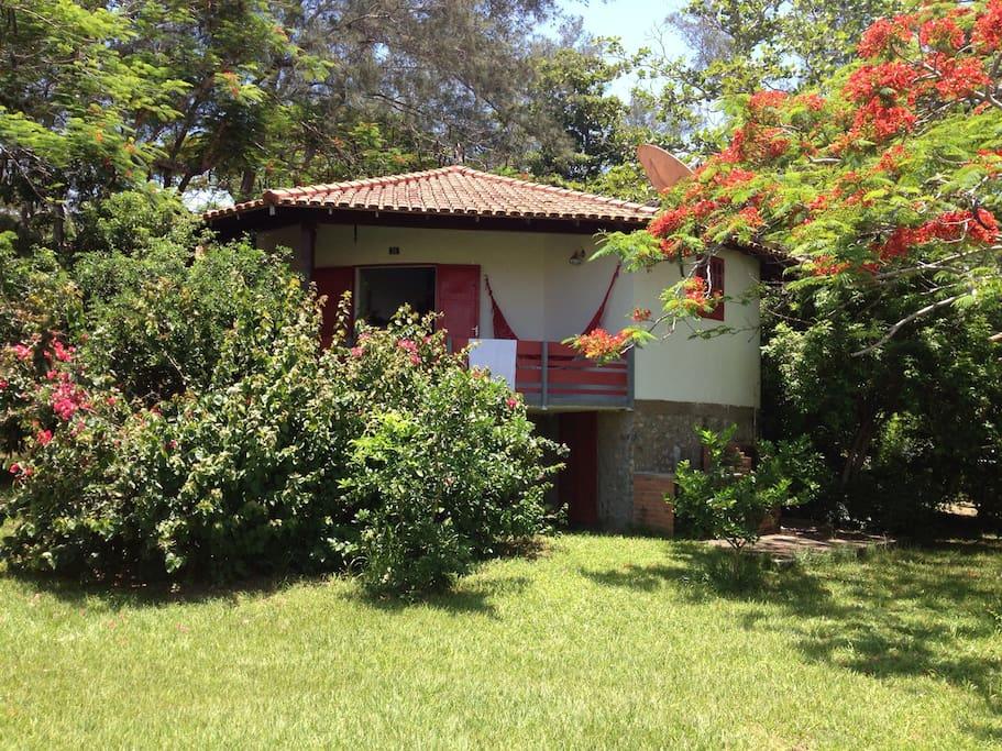 Casa vista do jardim - house view from the garden