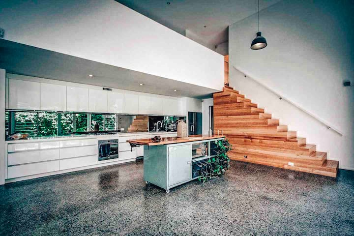 ★Modern house close to CBD & Adelaide Oval★