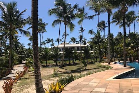Maravilhosa casa frente mar - condomínio fechado