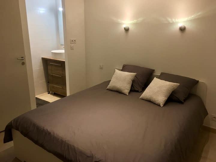 Chambre Double Pertuis proche Aix en Pce/Luberon