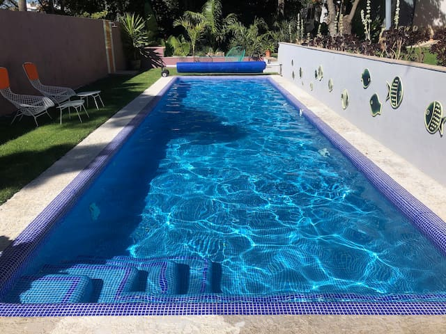 Swimming Pool and Free Parking! Private casita.