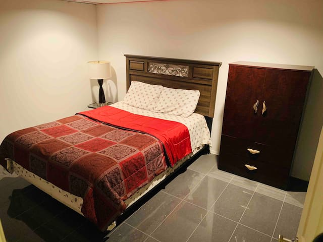 Cozy Private  Bedroom 5mL to downtown Albany