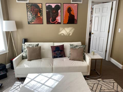 Relaxing 2 bedroom in Heart of Federal Hill