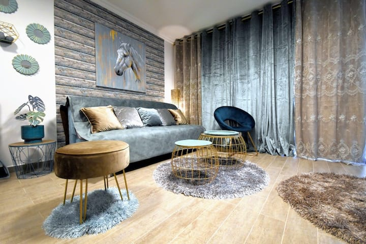 Luxury apartment on Lev Eilat balcony and jacuzzi
