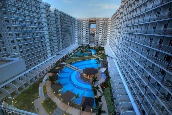 LUXURIOUSLY FURNISHED CONDOMINIUM - Pasay - Appartement en résidence