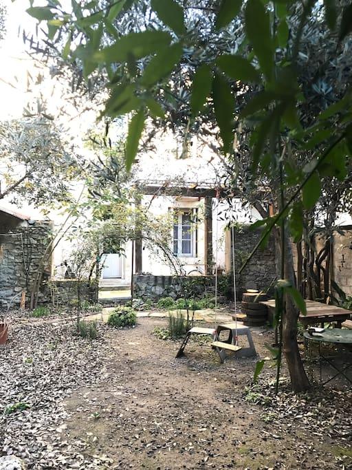 La maison daud centre ville proche gare jardin - Maison jardin condominium montpellier ...