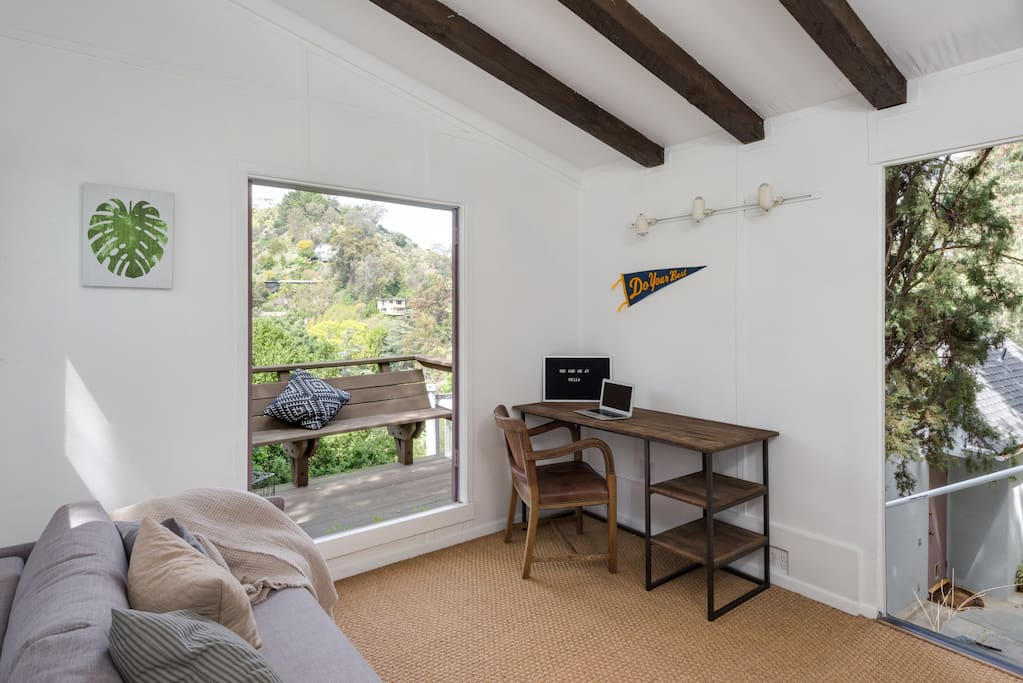 Cute studio with comfortable double sofa bed and desk