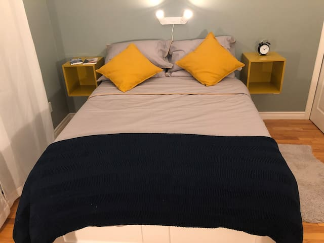 Private bedroom AMAZING location Downtown Halifax!