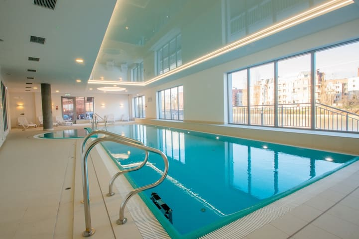 Apartment with fitness, swimming pool, jacuzzi