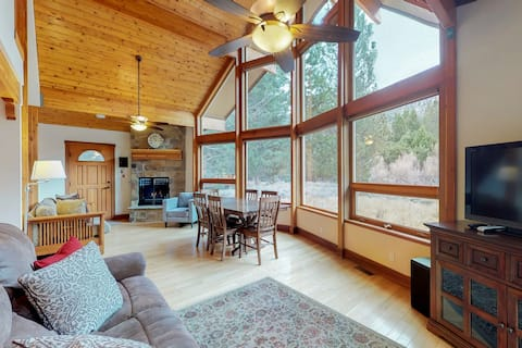 """Spectacular views, amazing location!  Wonderful """"family-friendly"""" home."""