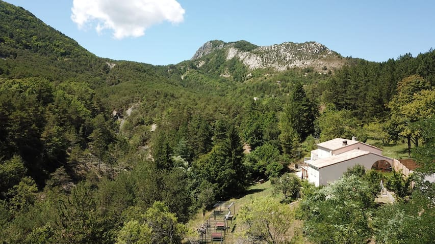 Countryside villa with great views near Entrevaux