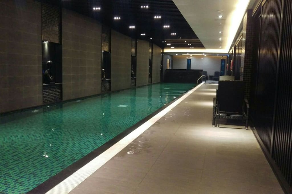 游泳池免費