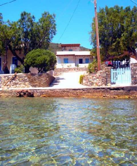 studios in sifnos(vathi) 30 meters from the sea