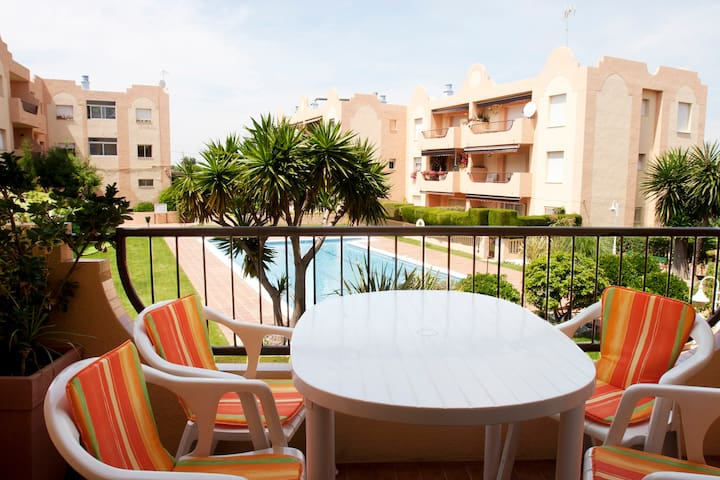 Lovely Ibiza style apartment in Torredembarra