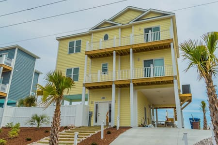 *Sea La Ve* NEW 4 BR Ocean/ Beach Front - Private Pool - Elevator - Handicap Friendly - Ház