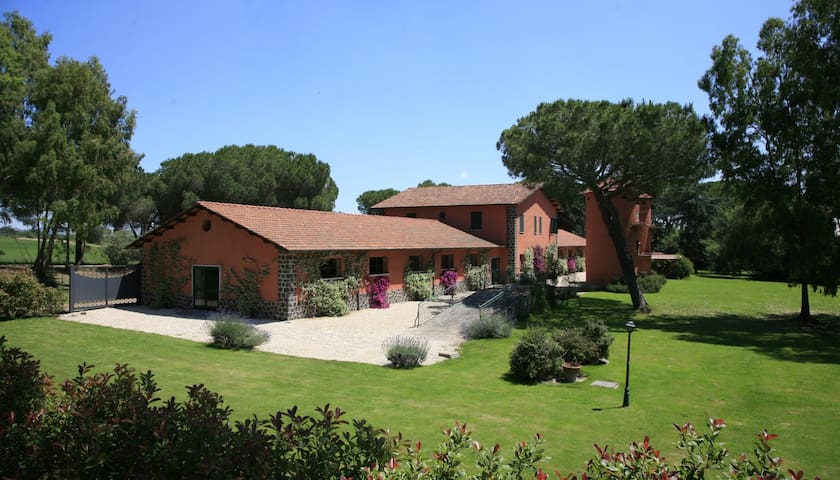 2br apt in country house shared pool and patio (L) - Rome - Leilighet