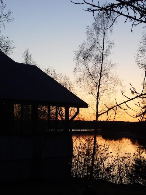 Sunset Puutikkala