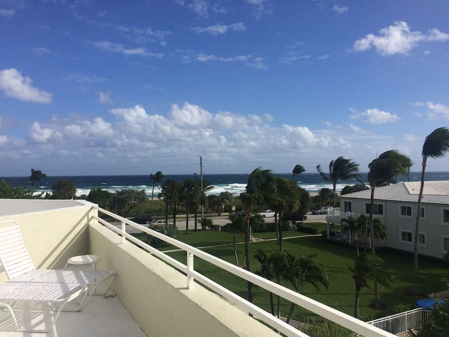 2 Bedroom Timeshare At Beach Apartments For Rent In Delray Beach Florida United States