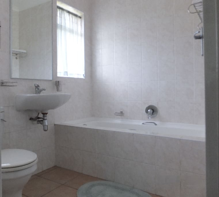 En Suite Bathroom with Toilet and Bath