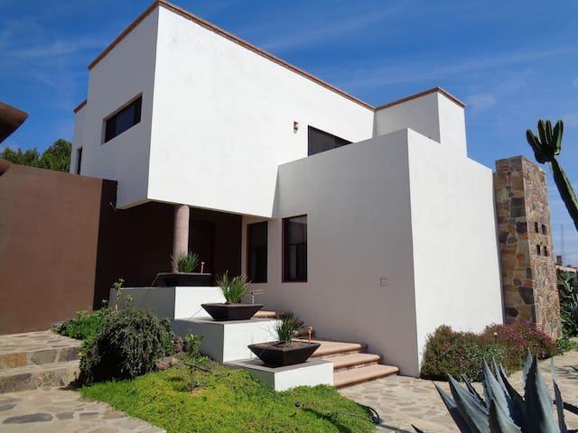 Villa Amarantha, in a super natural