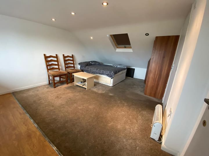 Private Loft Studio Flat on Romford Road E12 5AF