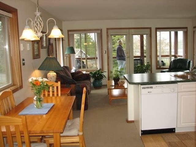 Deluxe Suite with Kitchen - Tofino