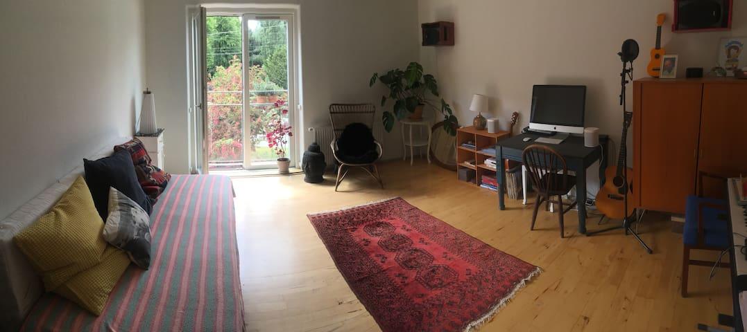 Gorgeous, big bright room in the vibrant Nørrebro