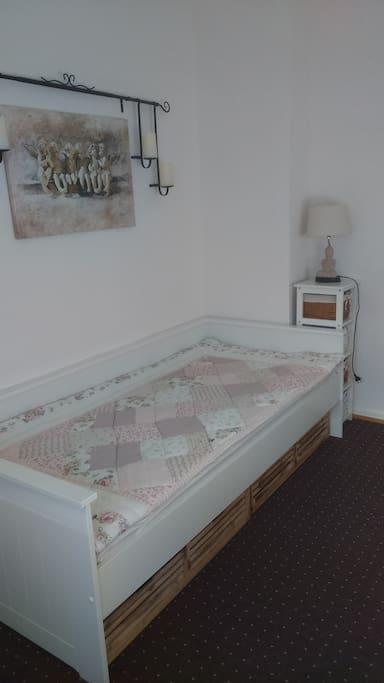 1. Einzelzimmer /1. Single-room