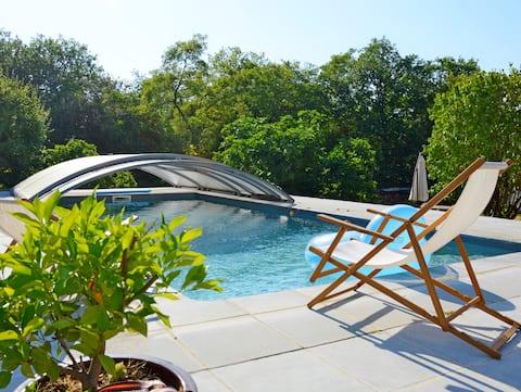 Gîte de charme avec piscine privée à Martel