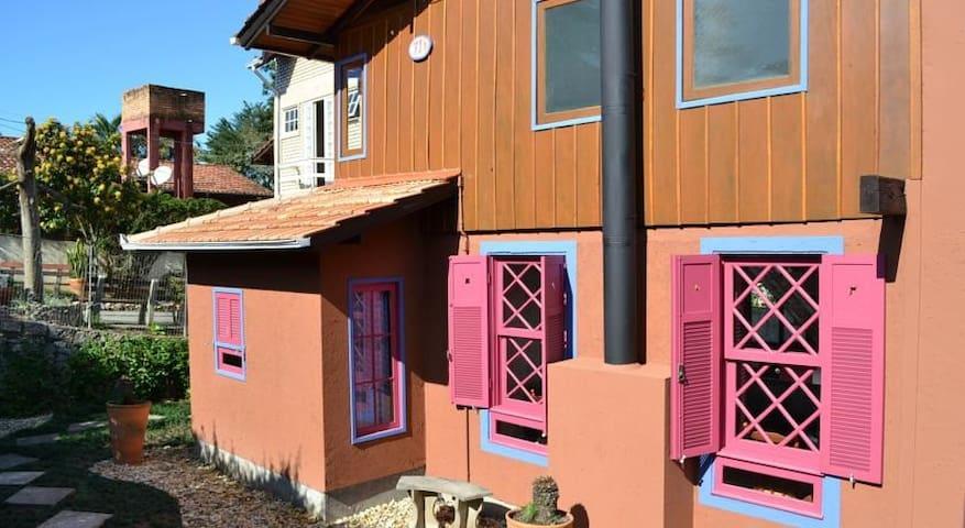 Surya Namaskar Guest House - Dhara - Florianópolis - Bed & Breakfast