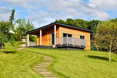 Oakwood Hide,Drumnadrochit, Highland studio Cabin.