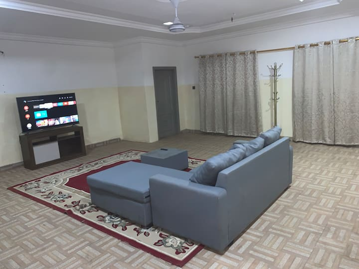 3 bedroom house with wifi and cleaning service