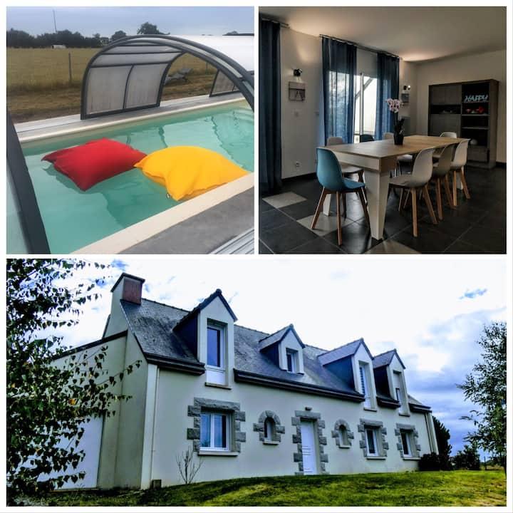 House in Nth Brittany, beach @ 1.5km, heated pool