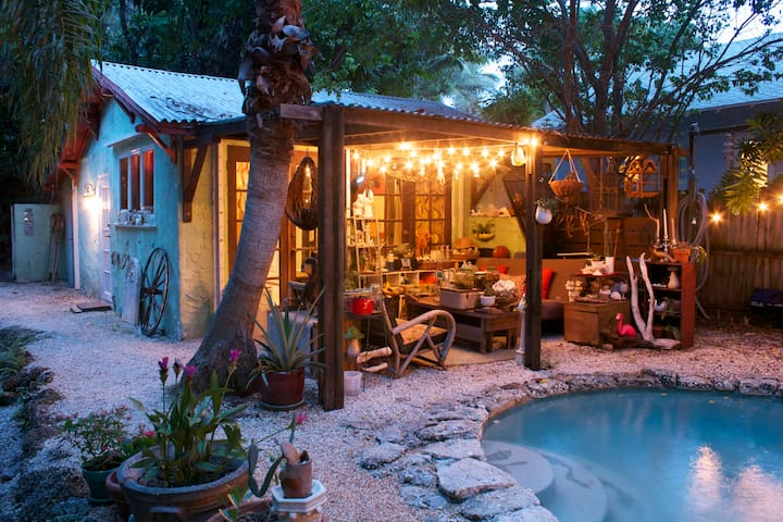 Miami Pool Bungalo For Art Basel Bungalows For Rent In Miami Florida United States