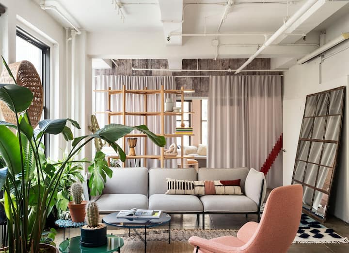 Bright Design Loft Perfect for Photoshoots