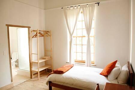 *New* Welcoming Eco-lodge near Stellenbosch - Stellenbosch - Bed & Breakfast