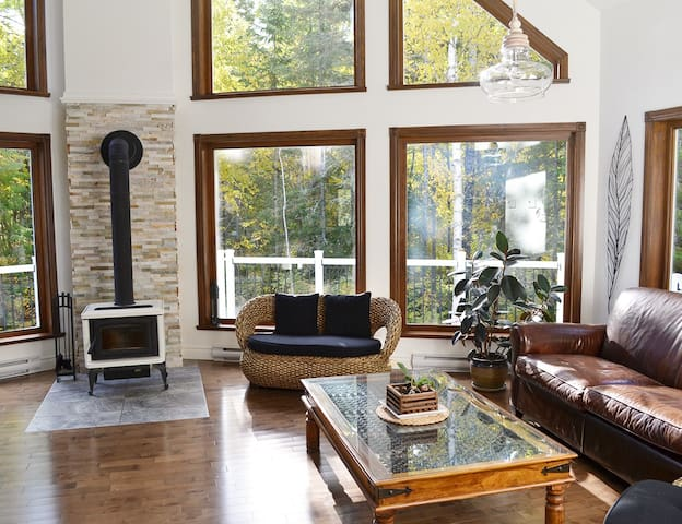 Quiet Lakeside House in the Country - Saguenay
