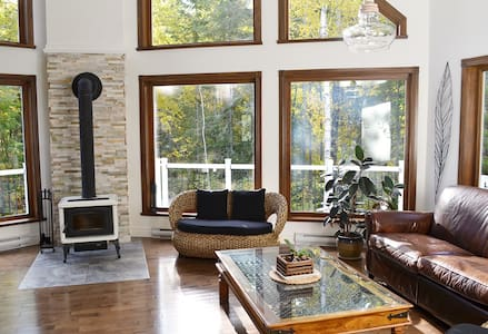 Quiet Lakeside House in the Country - Saguenay - Hus