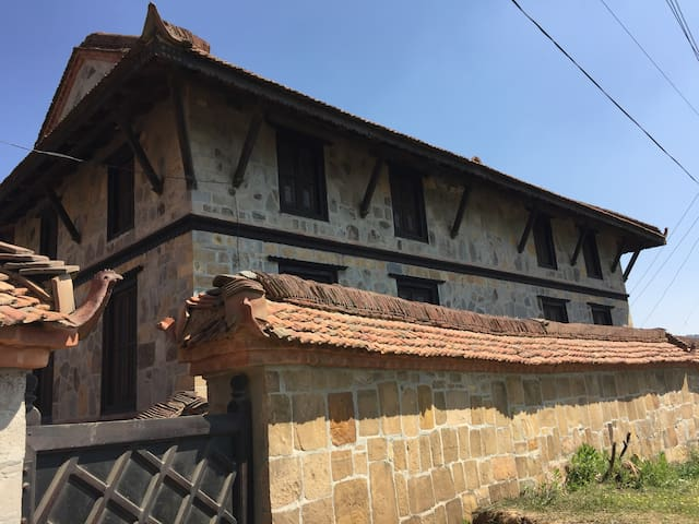Beautiful heritage house in Sanga - Sanga - Hus