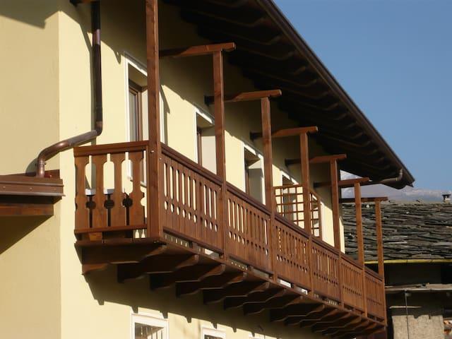 Appartamento RONCIA in agriturismo Cré seren - Giaglione - อพาร์ทเมนท์