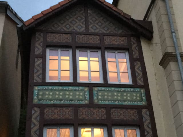 Listed Tudor House, ancient train station - Bollendorf-Pont - Dom