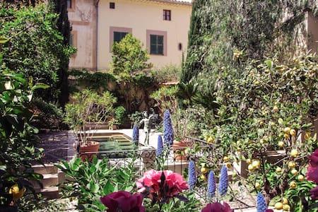 Casa con 2 habitaciones, jardín, piscina en Sóller