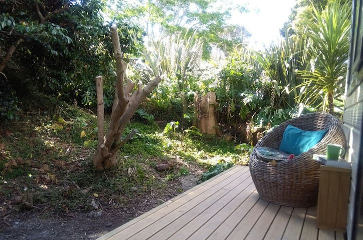 Private cottage in Torbay, close to beaches - Auckland - Houten huisje