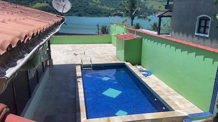 Casa em angra dos reis (monsuaba) com piscina.