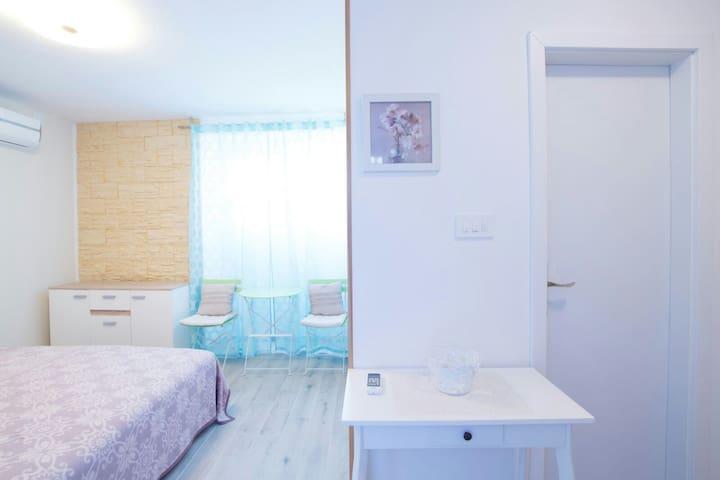 Studio apartman Neli - Kaštel Sućurac