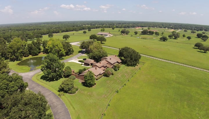 2.5 Bedroom Townhouse in Gated Horse Farm