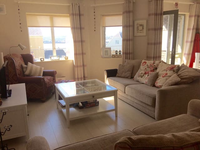 Modern 1 bedroom apartment with Sea View