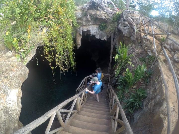 Ingresa al cenote sagrado