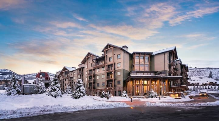 Entire Park City Slopeside Suite for up to 8 ppl